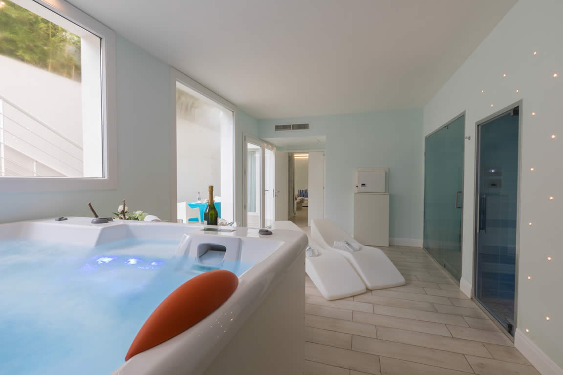 terradacquaresort-junior-suite-camera-501-con-spa-gallery (21)