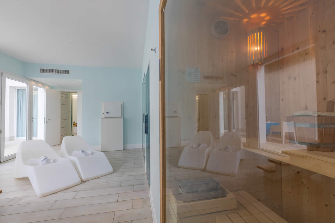 terradacquaresort-junior-suite-camera-501-con-spa-gallery (24)